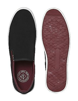 Aeropostale Contrast Sole Panelled Slip On Shoes