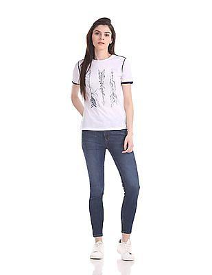 Flying Machine Women Regular Fit Feather Print T-Shirt