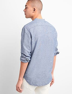 GAP Men Blue Standard Fit Band Collar Shirt In Linen Cotton