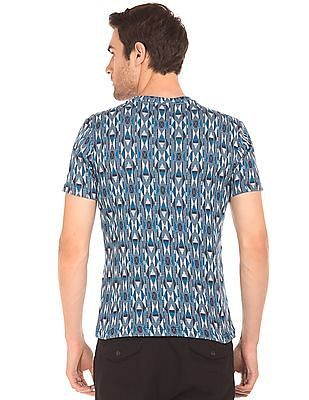Cherokee Crew Neck Pattern Knit T-Shirt