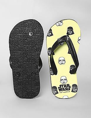 GAP Green Boys Star Wars™ Graphic Flip Flops