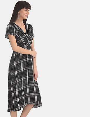 GAP Women Black Surplice Neck Midi Wrap Dress