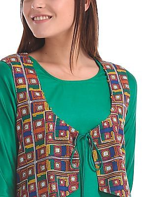 Anahi Solid Kurta With Cropped Jacket
